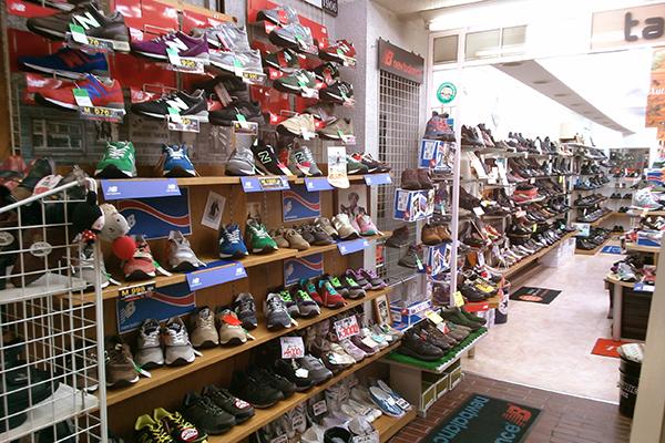 株式会社タカハシ靴店